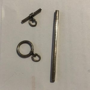 Sterling silver vertical bar and toggle clasp